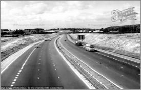 Newport Pagnell, M1 Motorway c1960, N62057.